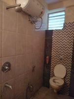 12J6U00441: Bathroom 2