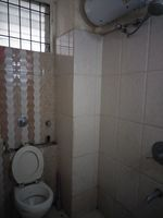 12J6U00441: Bathroom 1