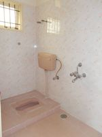 13M5U00648: Bathroom 1