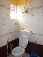13A4U00232: Bathroom 2