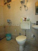 14J1U00127: Bathroom 1