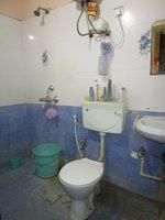 14J1U00127: Bathroom 2
