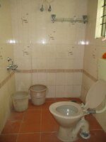 14OAU00128: Bathroom 2
