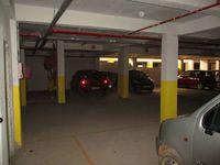 10A8U00411: parking