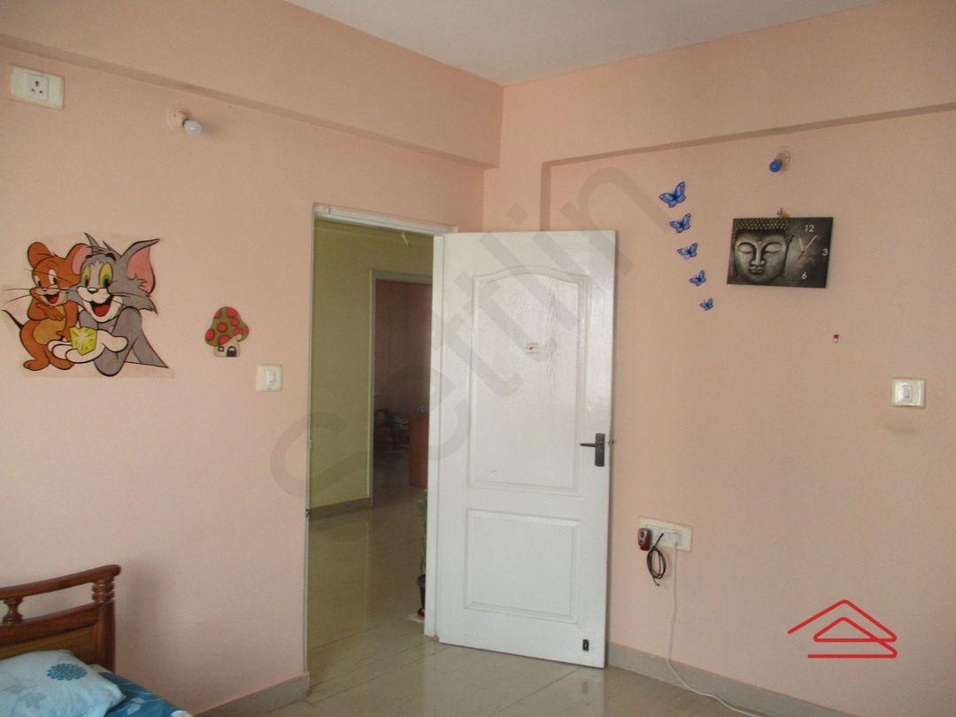 13F2U00056: Bedroom 1