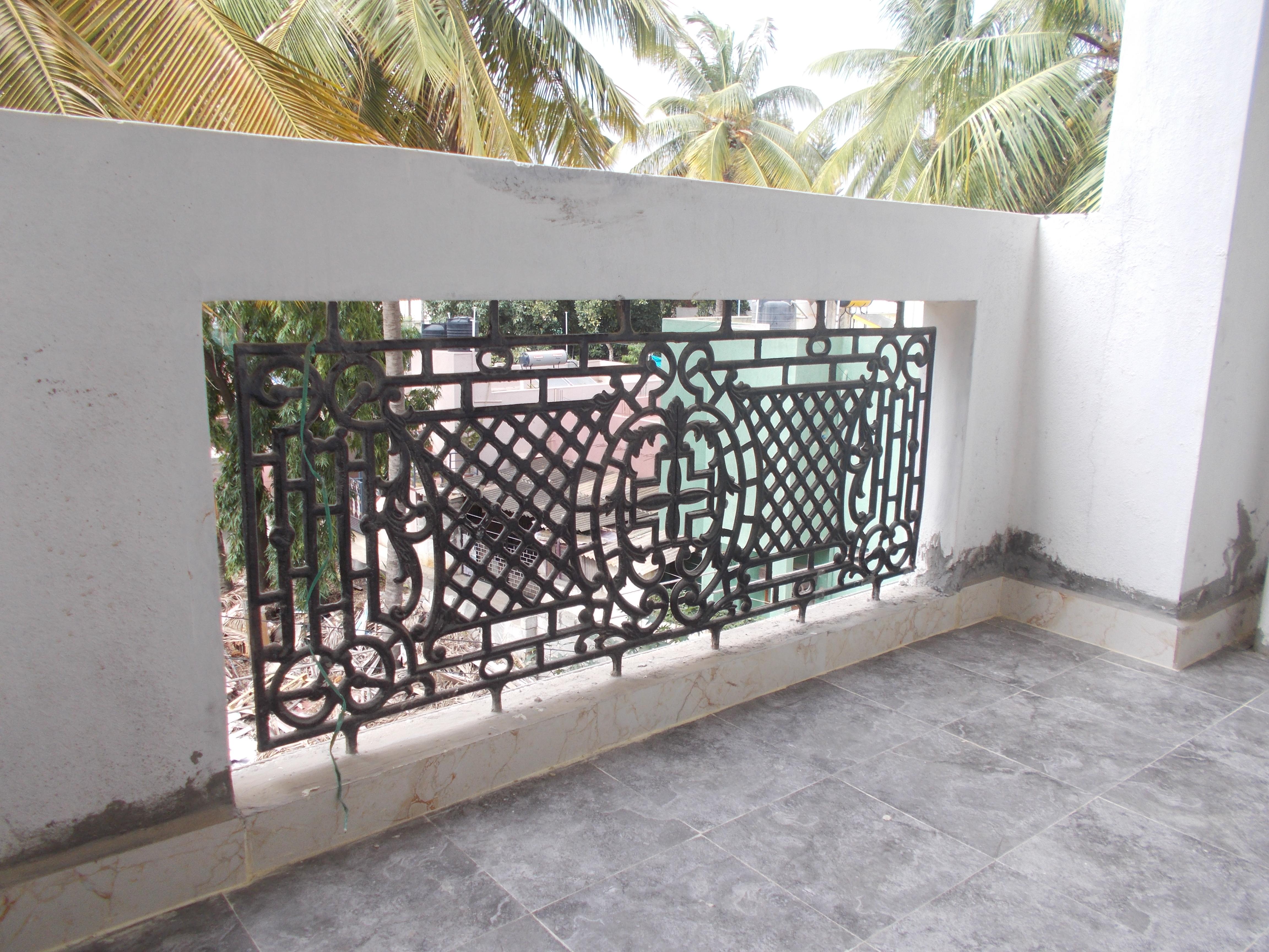 13A8U00088: Balcony 2