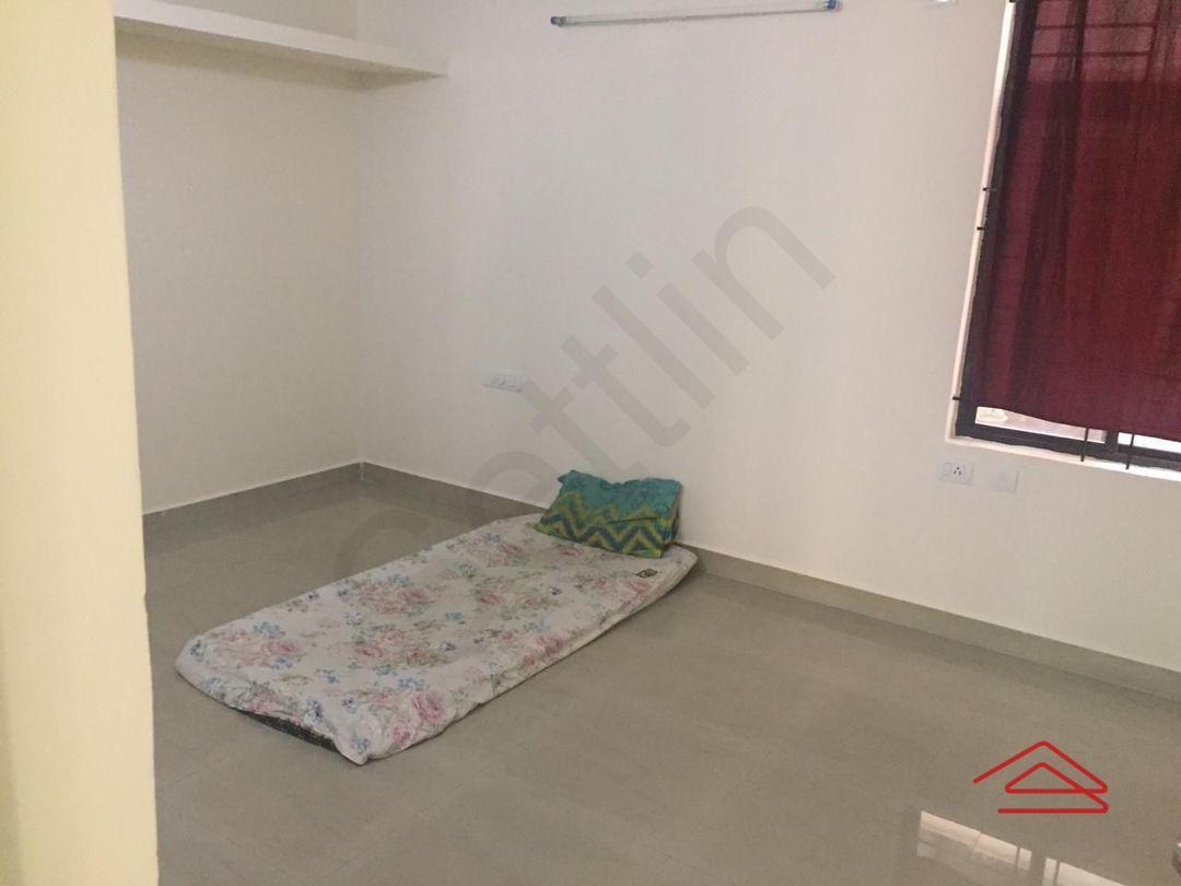 13M5U00174: Bedroom 1
