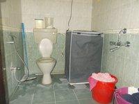 13M5U00373: Bathroom 3