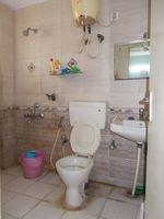 11S9U00447: Bathroom 2