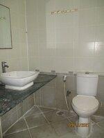15S9U00879: Bathroom 1