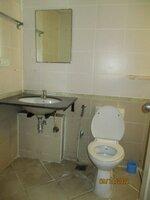 15S9U00879: Bathroom 2