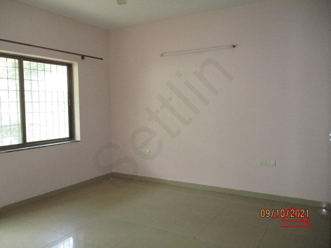 15S9U00879: Bedroom 1