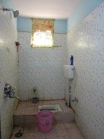 13NBU00064: Bathroom 2