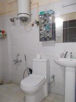 14F2U00167: Bathroom 1