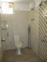 15A4U00131: Bathroom 2