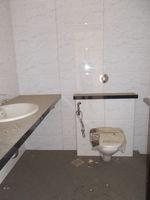 13A4U00147: Bathroom 2