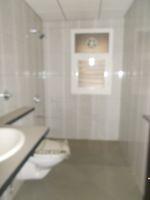 13A4U00147: Bathroom 3