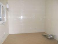 13A4U00147: Kitchen 1