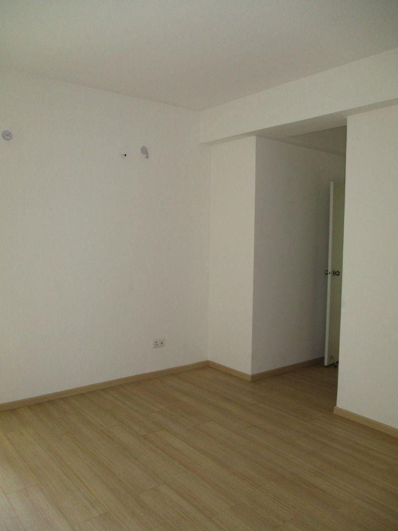 10M5U00162: Bedroom 1