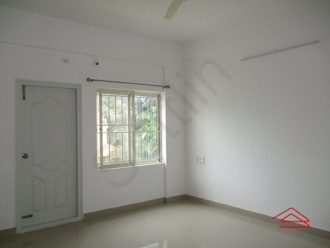 15S9U01128: Bedroom 1