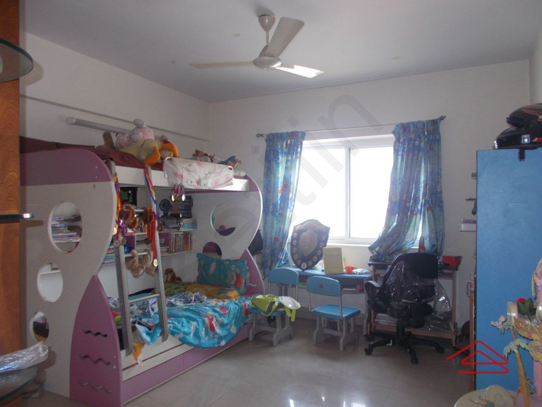 12J1U00008: Bedroom 1