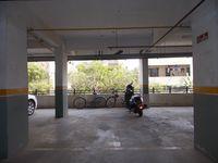 12J1U00008: parking 1