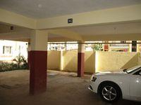 10J6U00177: parking 1
