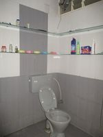 11OAU00380: Bathroom 1