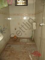 401: Bathroom 2