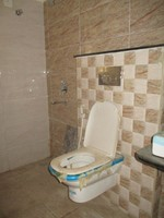 11J7U00173: Bathroom 1