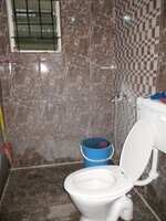 15J7U00258: Bathroom 1