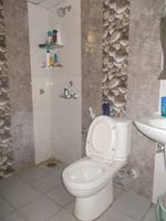 13F2U00543: Bathroom 2
