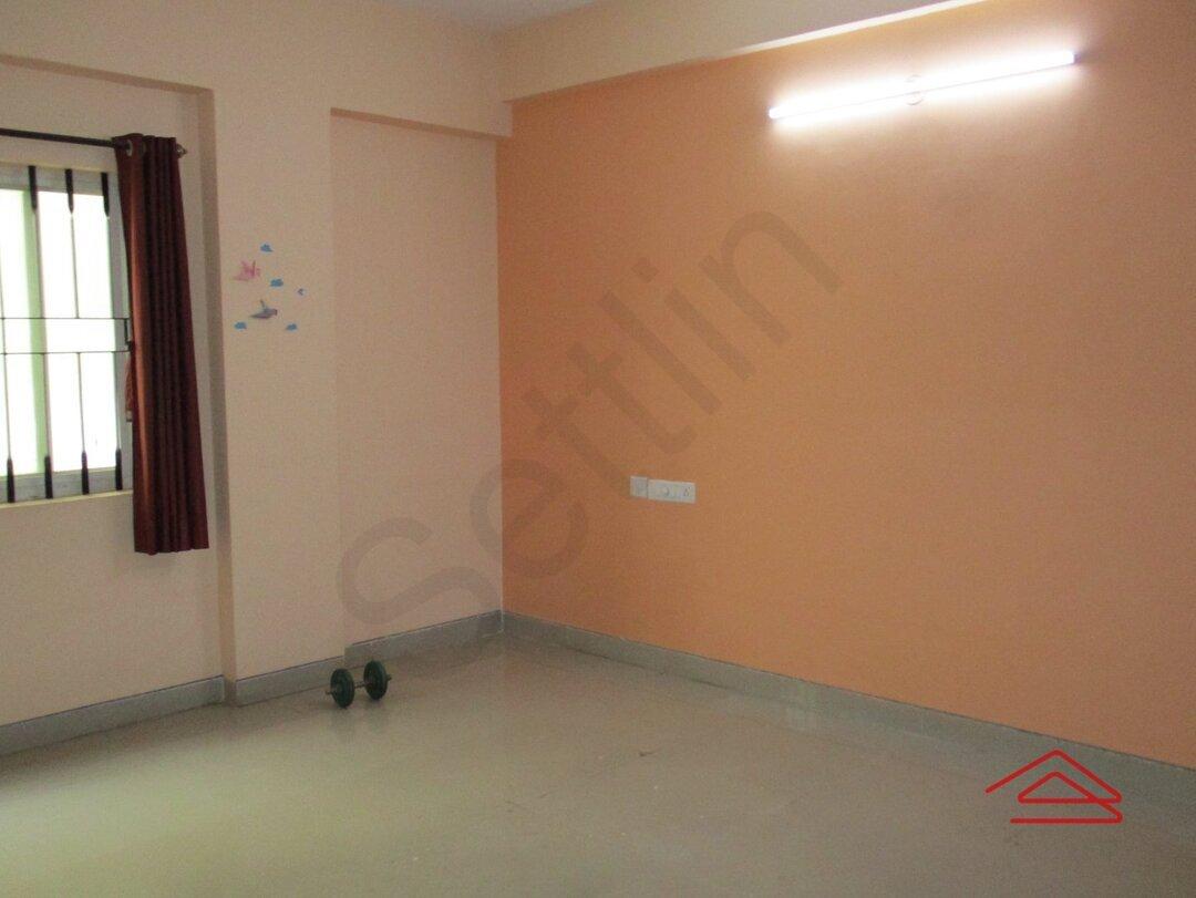 15J7U00785: Bedroom 1