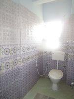 13J7U00196: Bathroom 1