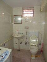 11J1U00081: bathroom 2