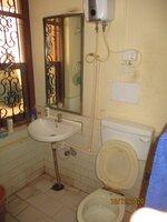 11J1U00081: bathroom 1