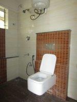 13S9U00006: Bathroom 1