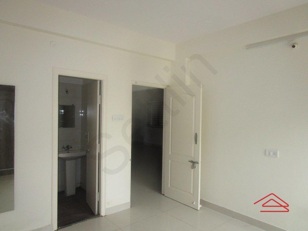 13S9U00006: Bedroom 1