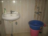 13M5U00803: Bathroom 1