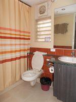 12S9U00136: Bathroom 3