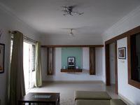 12S9U00136: Hall 1