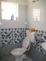 14F2U00381: bathrooms 1