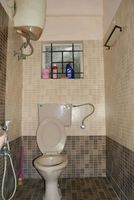 13A4U00272: Bathroom 2