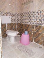 13J1U00208: Bathroom 1