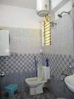 15F2U00300: Bathroom 2