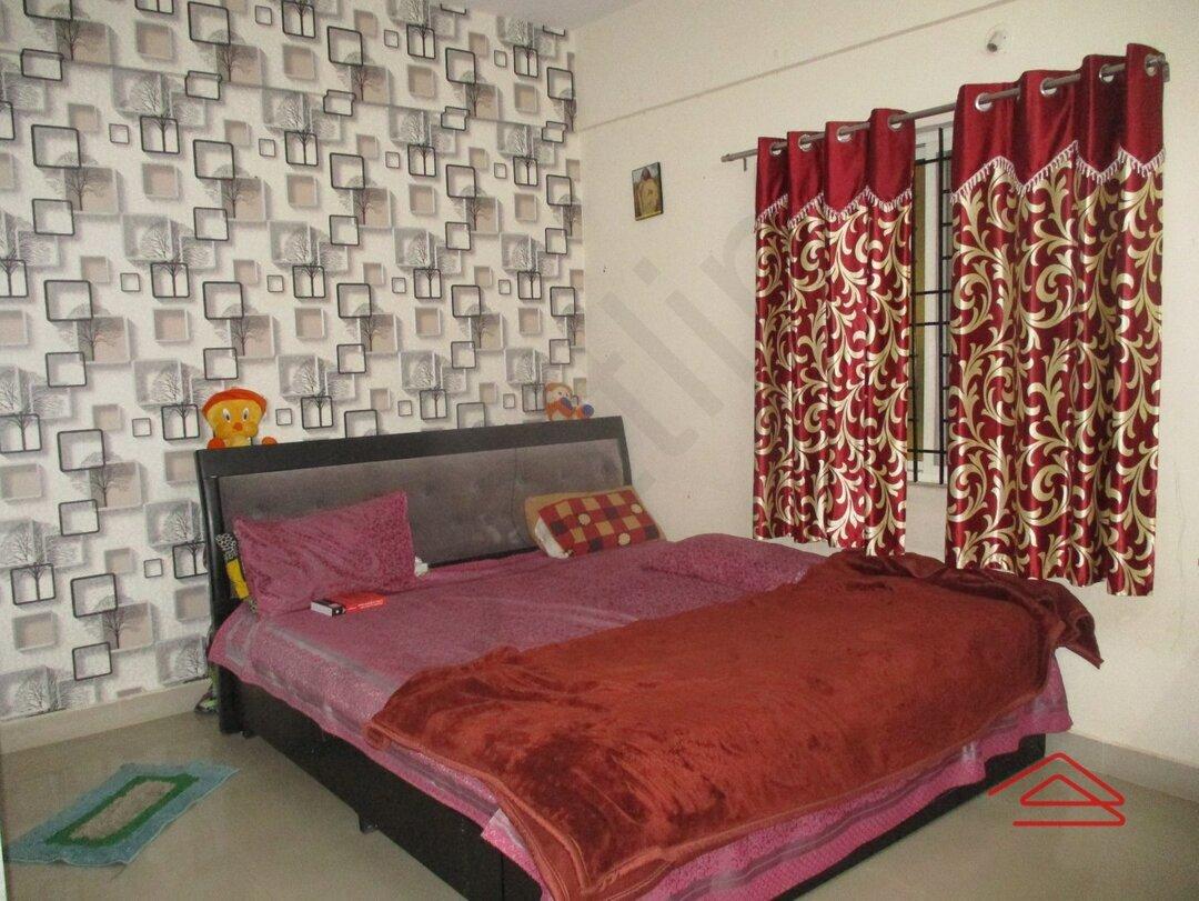 15F2U00300: Bedroom 1