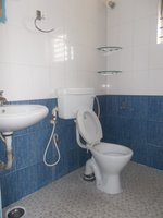 13A8U00092: Bathroom 2