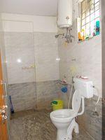 13J6U00205: Bathroom 1