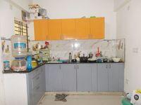 13J6U00205: Kitchen 1
