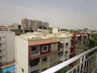 12NBU00200: Balcony 1